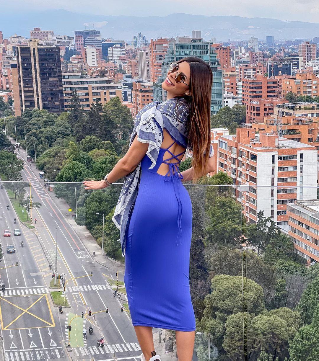 laura olascuaga, miss colombia universo 2020. - Página 12 Qvia7s10