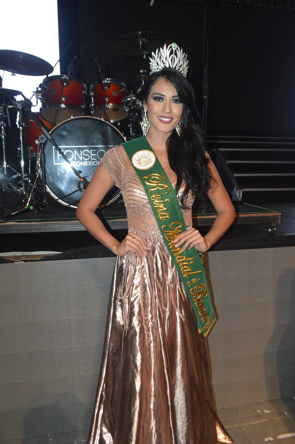 yenny katherine carrillo, top 20 de miss earth 2019/reyna mundial banano 2017. Reina-10