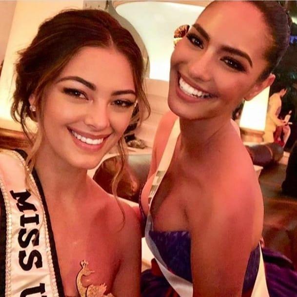 thai night gala dinner de candidatas a miss universe 2018. - Página 8 Sblnnv10