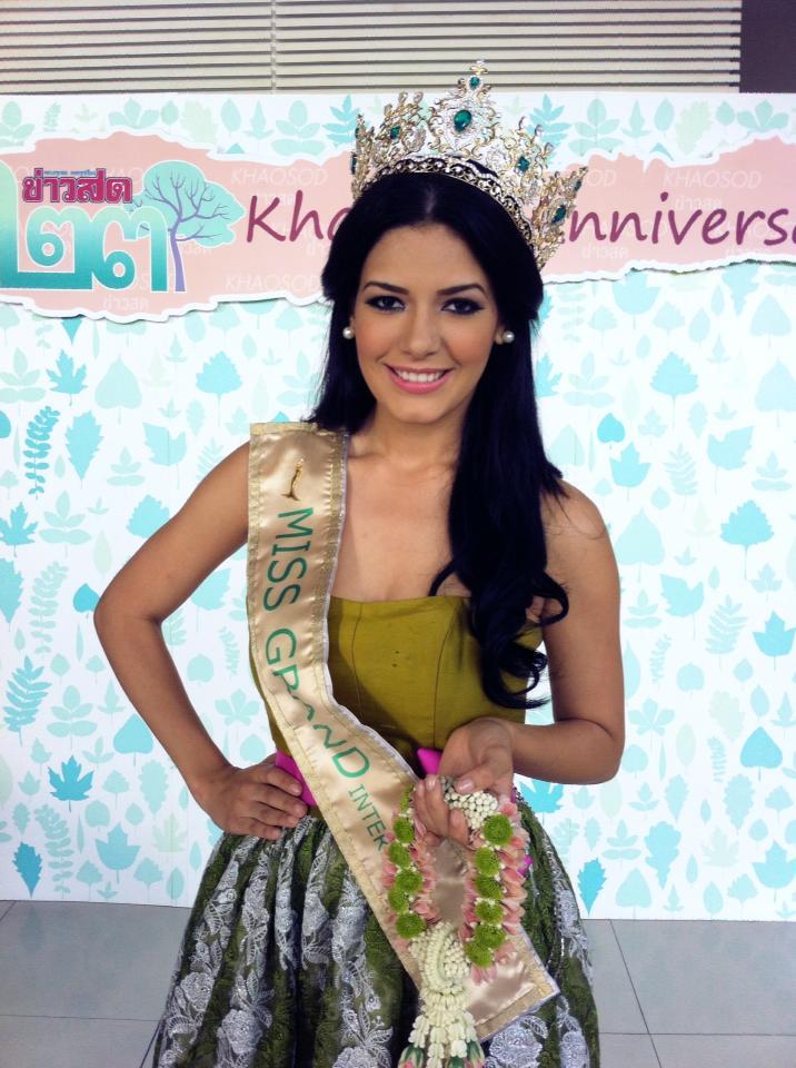 janelee chaparro, miss grand international 2013. - Página 2 Univer14