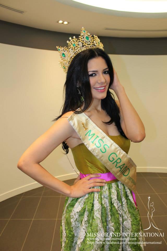 janelee chaparro, miss grand international 2013. - Página 2 Univer16