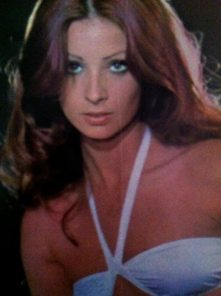 amparo munoz, miss universe 1974. † - Página 5 Uofyaz10