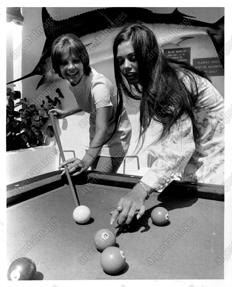 marisol malaret, miss universe 1970. - Página 3 V3xbdj10
