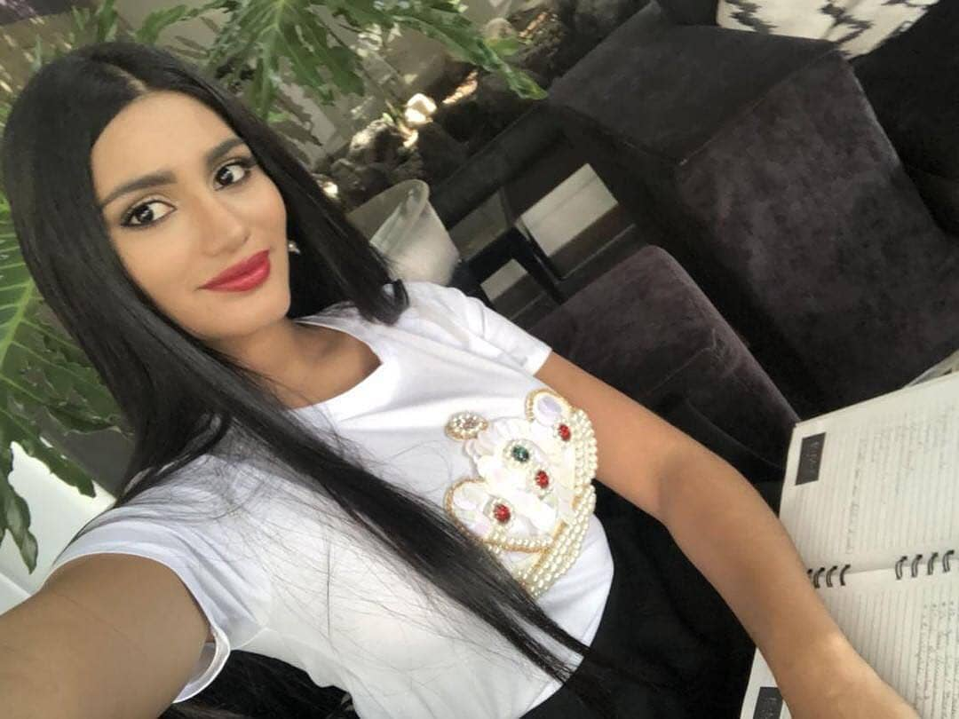 sthefany gutierrez, top 3 de miss universe 2018. - Página 23 W7l5hv10