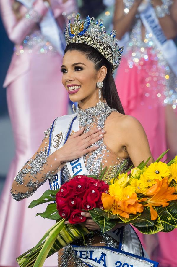 thalia olvino, top 20 de miss universe 2019. Whatsa12