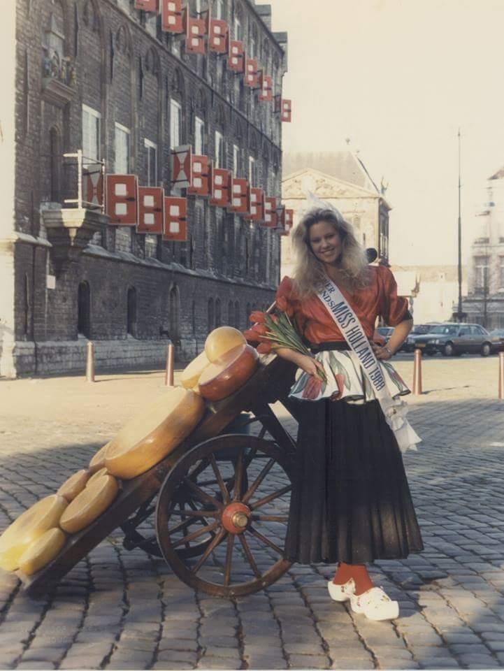 angela visser, miss universe 1989. - Página 3 Wpid-w11