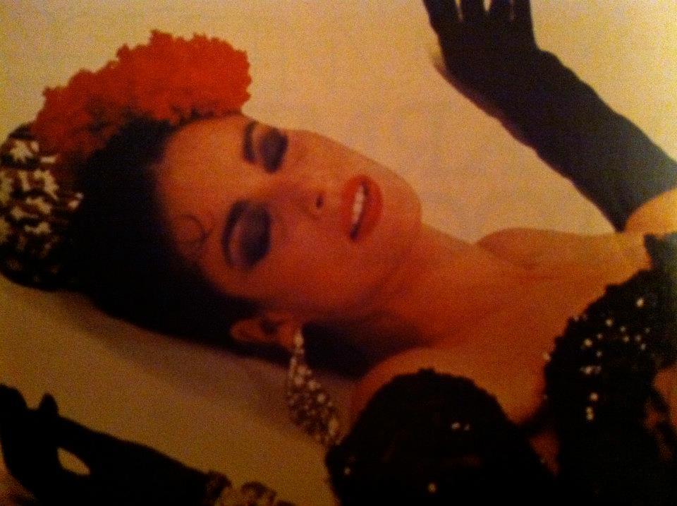 amparo munoz, miss universe 1974. † - Página 4 Yub6ow10