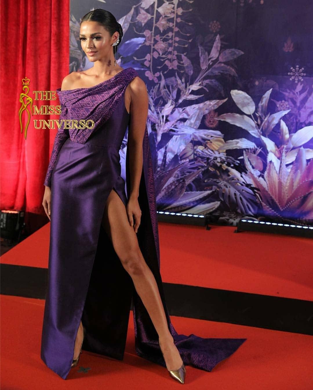 thai night gala dinner de candidatas a miss universe 2018. - Página 9 Z3ibix10