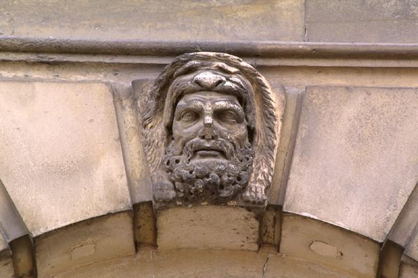 Hercule, héros antique et allégorie royale 048710