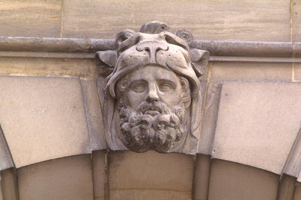 Hercule, héros antique et allégorie royale 069710