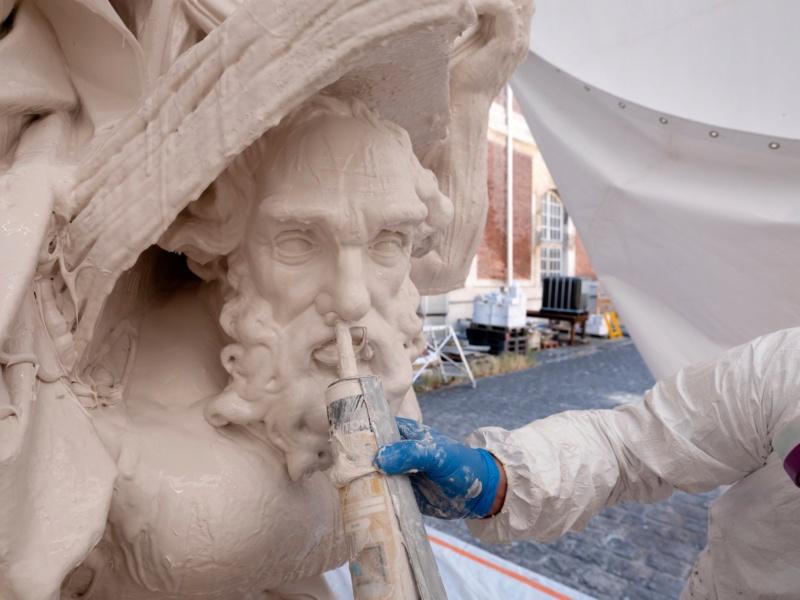 Visite à l'atelier de restauration des sculptures du C2RMF - Page 2 10284010