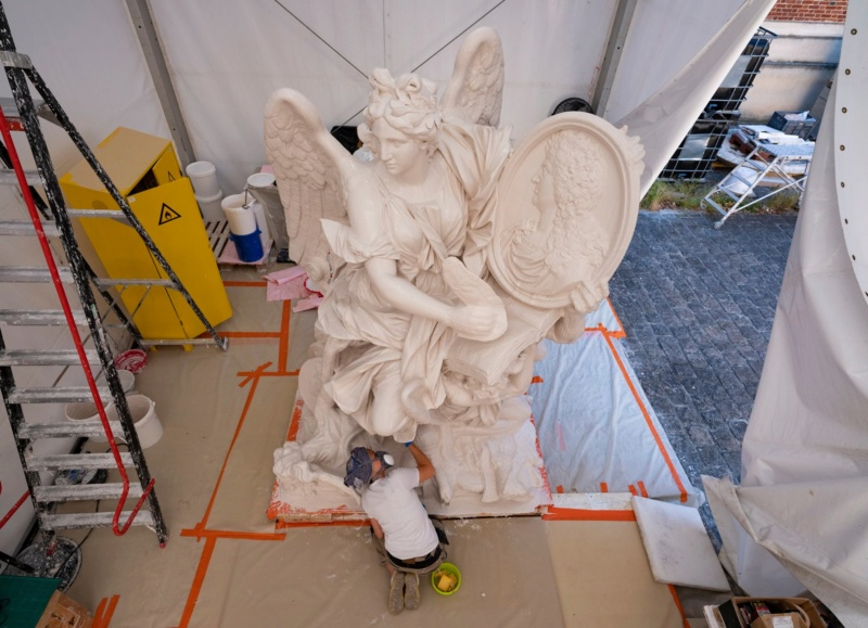 Visite à l'atelier de restauration des sculptures du C2RMF - Page 2 10286310
