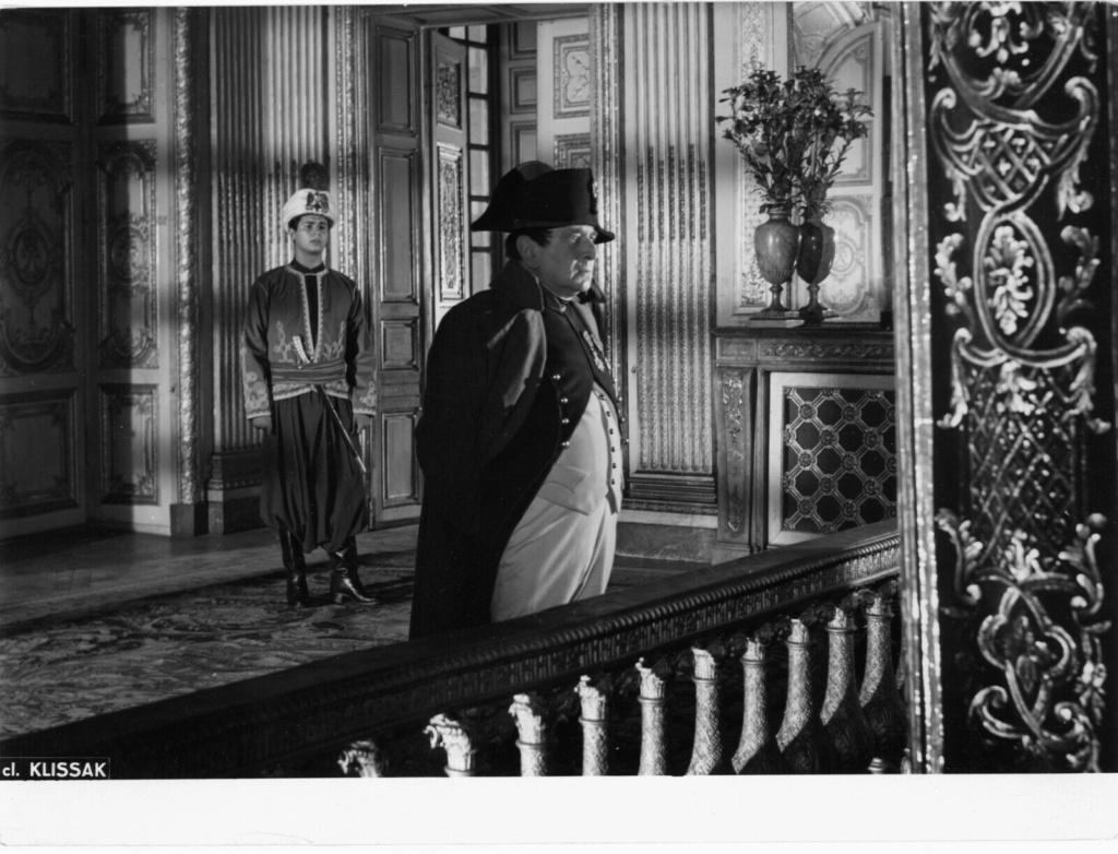 Si Versailles m'était conté par Sacha Guitry - Page 2 Emile_10