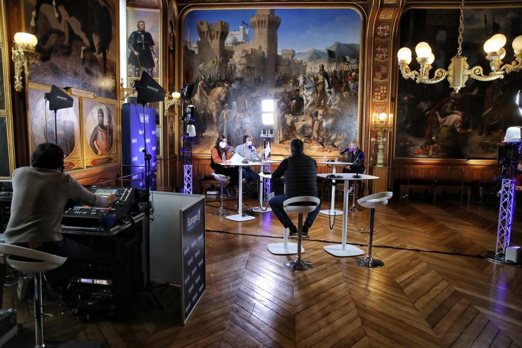 Radio Europe 1 et Mme Pégard à Versailles, 8 janvier 2021 Errvyc10