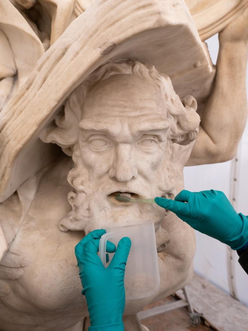 Visite à l'atelier de restauration des sculptures du C2RMF - Page 2 Evjco311