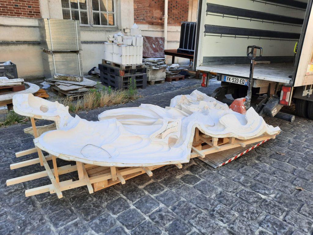 Visite à l'atelier de restauration des sculptures du C2RMF - Page 2 Whatsa11