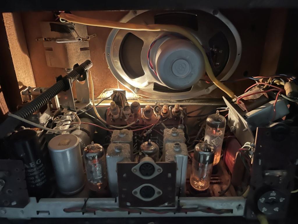 AEG Super Bimby 60 tube radio. B606f710
