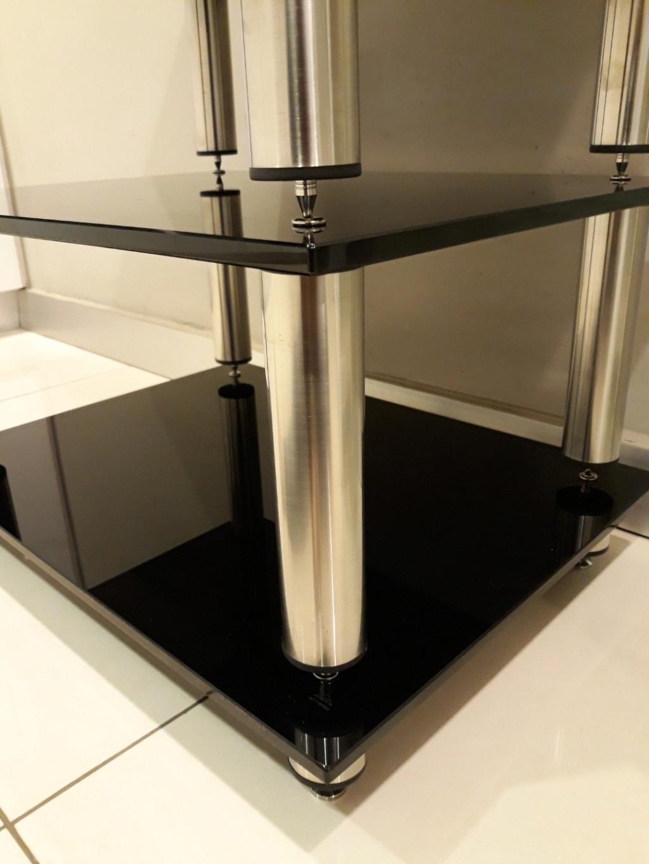 Black Pearl SE hifi rack. Carous17