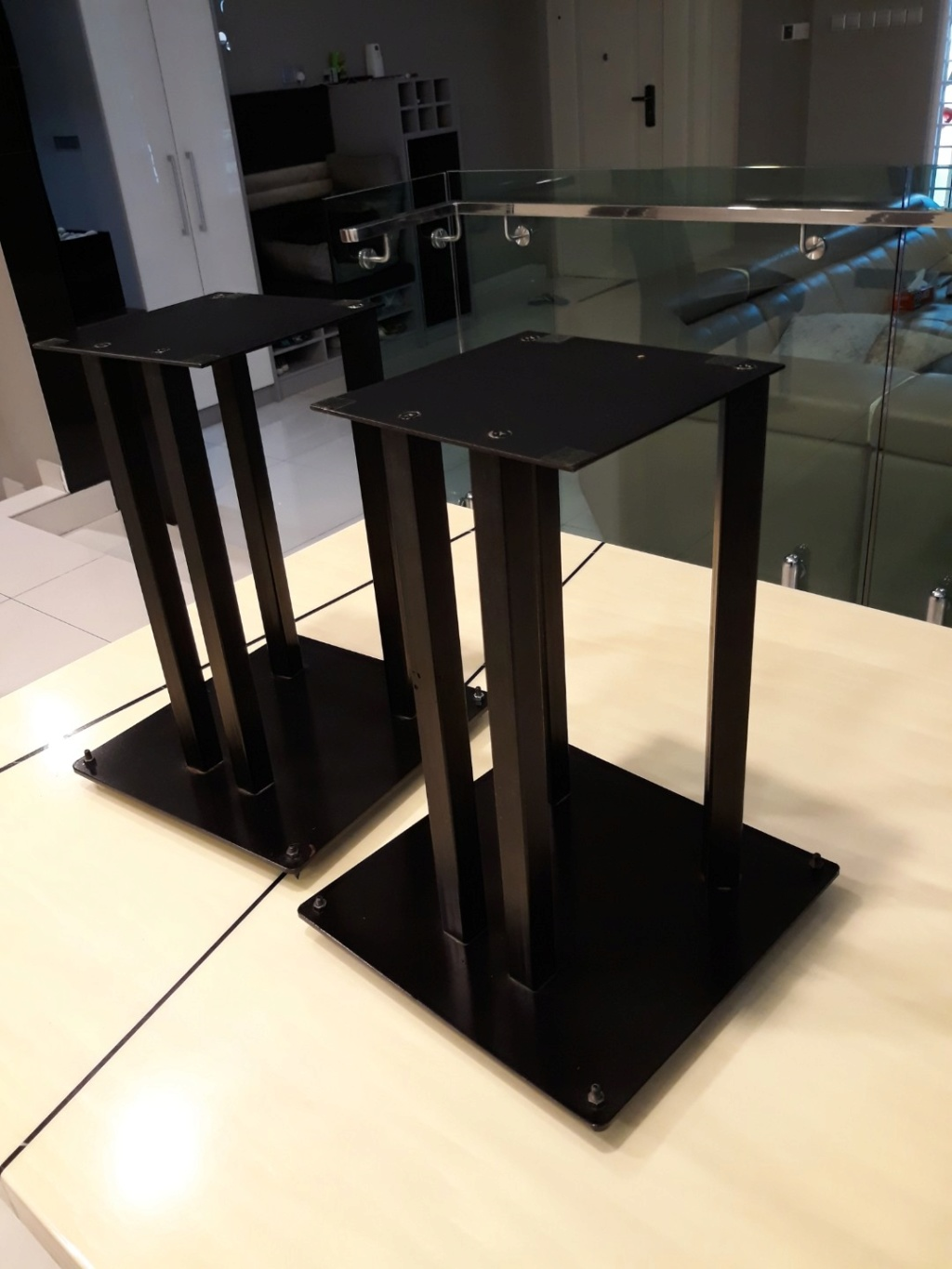 Heavy duty steel speaker stands.  Carous22