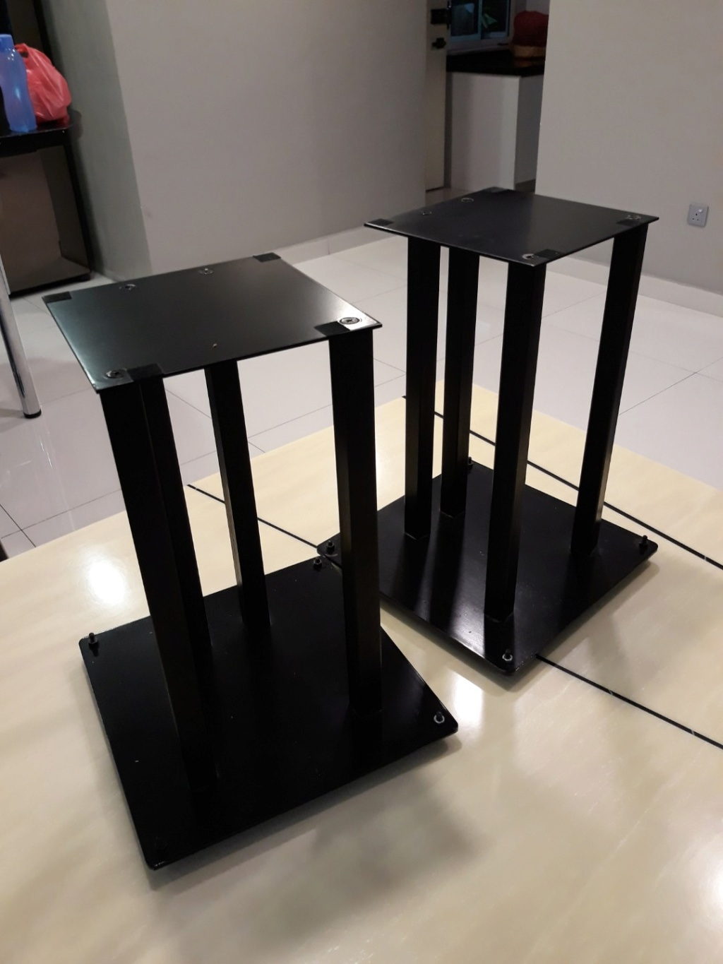 Heavy duty steel speaker stands.  Carous23