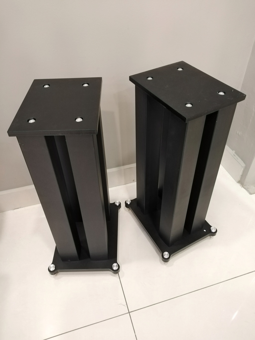 Heavy duty 4 steel posts speaker stands.  Img_2017
