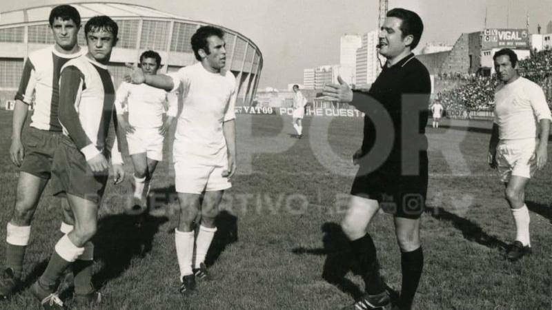 FOTOS HISTORICAS O CHULAS  DE FUTBOL - Página 8 Facebo10