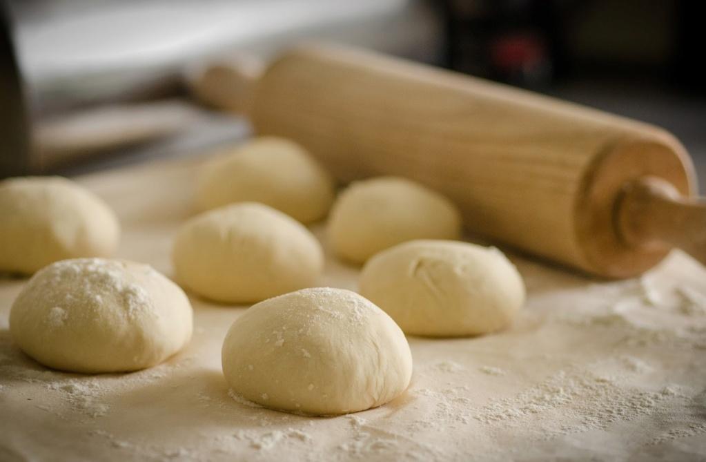 طريقة عمل الميني بيتزا في البيت Dough-10