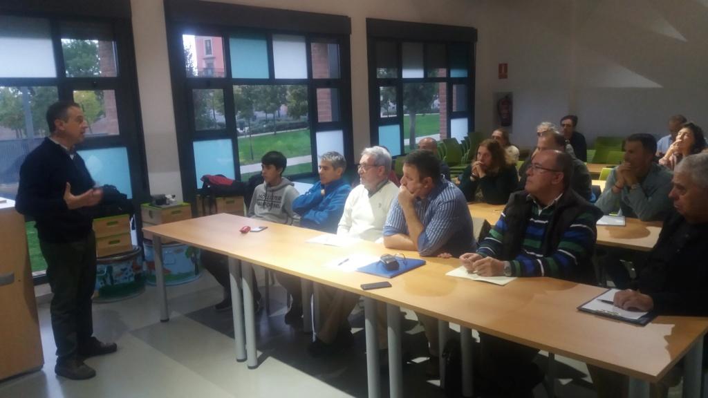 19-10-2018 Seminario de Astronomía: Iniciación a la astrofotografía planetaria y Timelapse (Enrique Rigol). 2018-112