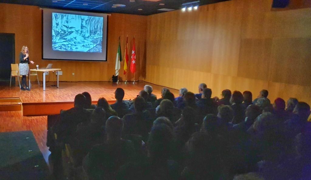 06-03-2020 Conferencia: La vida, un viaje hacia la complejidad en el Universo (Ester Lázaro) 2020-022