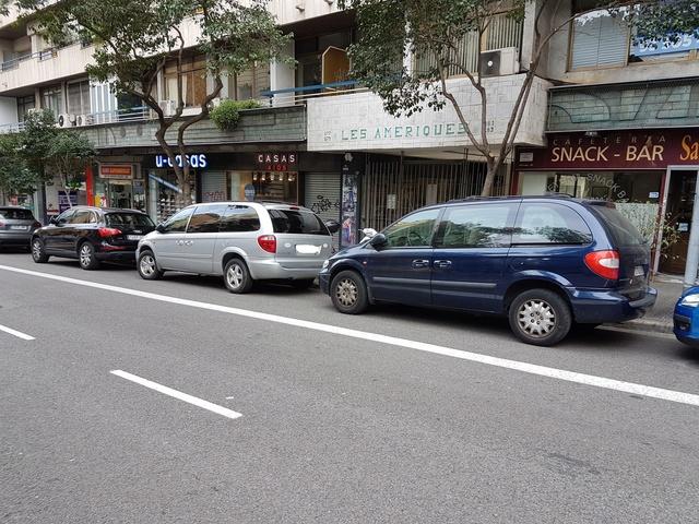 ¿Sabéis si es posible traer a España este coche? Carava12