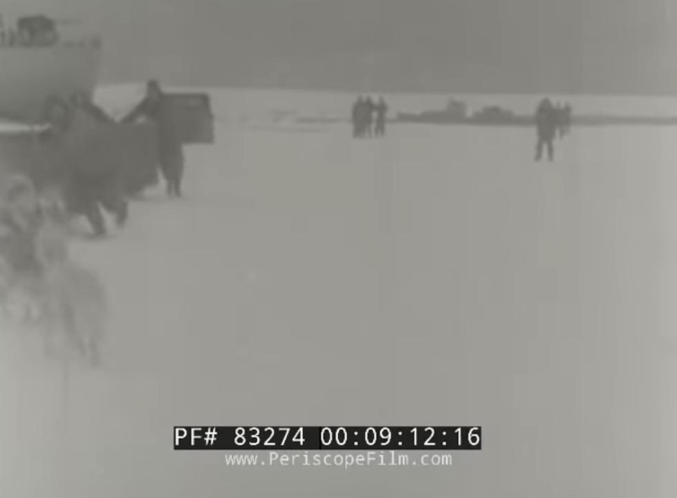 Baza americana din Antarctica situata exact deasupra Polului Sud. Opera_57