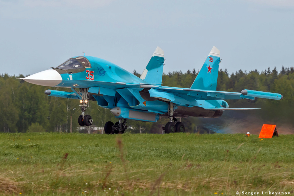 Su-34 Tactical Bomber: News - Page 35 000341