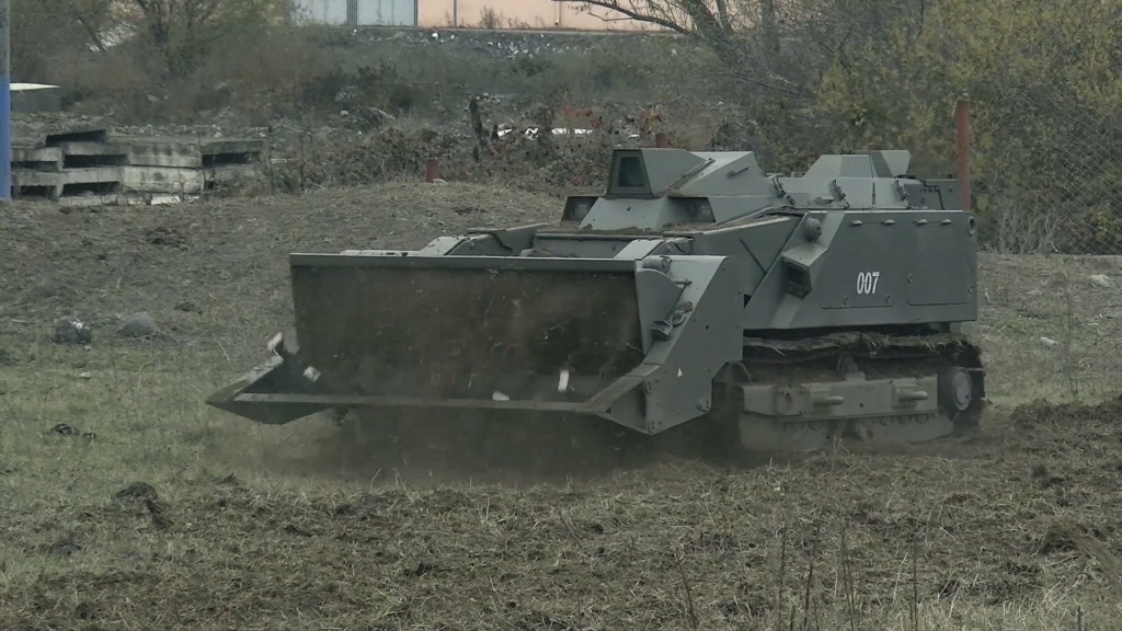 Russian Army Robots - Page 19 002213