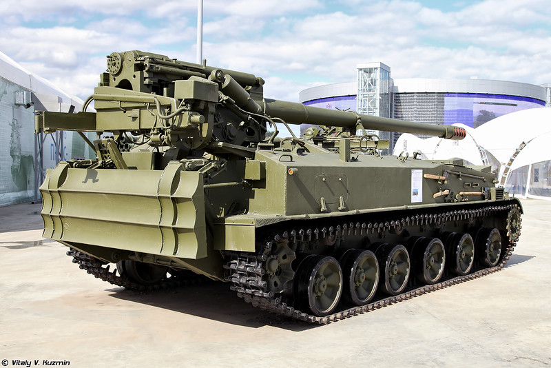 "2S43 ""Malva"" 152-mm self-propelled howitzer 005510"