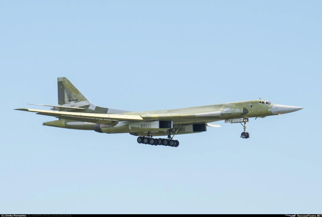 "Tu-160 ""White Swan"" - Page 29 24363810"