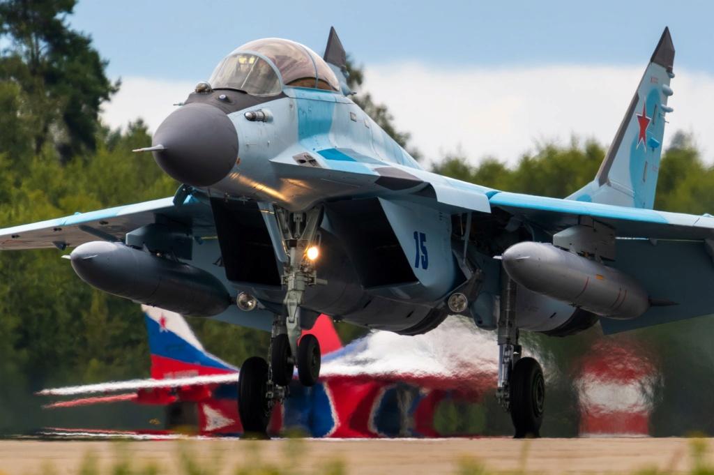 MiG-29/ΜiG-35 Fulcrum: News #2 - Page 11 4nobxm10
