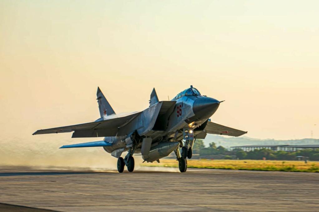 MiG-31BM/Κ Interceptor/Attack aircraft: News - Page 35 E4utao10