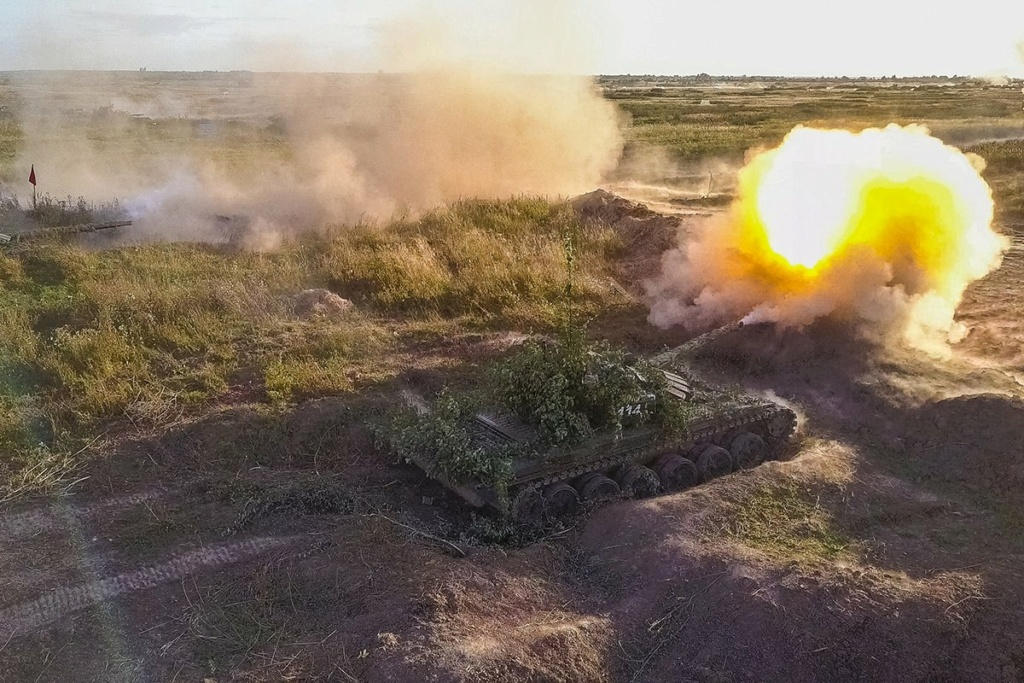 Russian Ground Forces: News #3 - Page 3 E_bzzj10