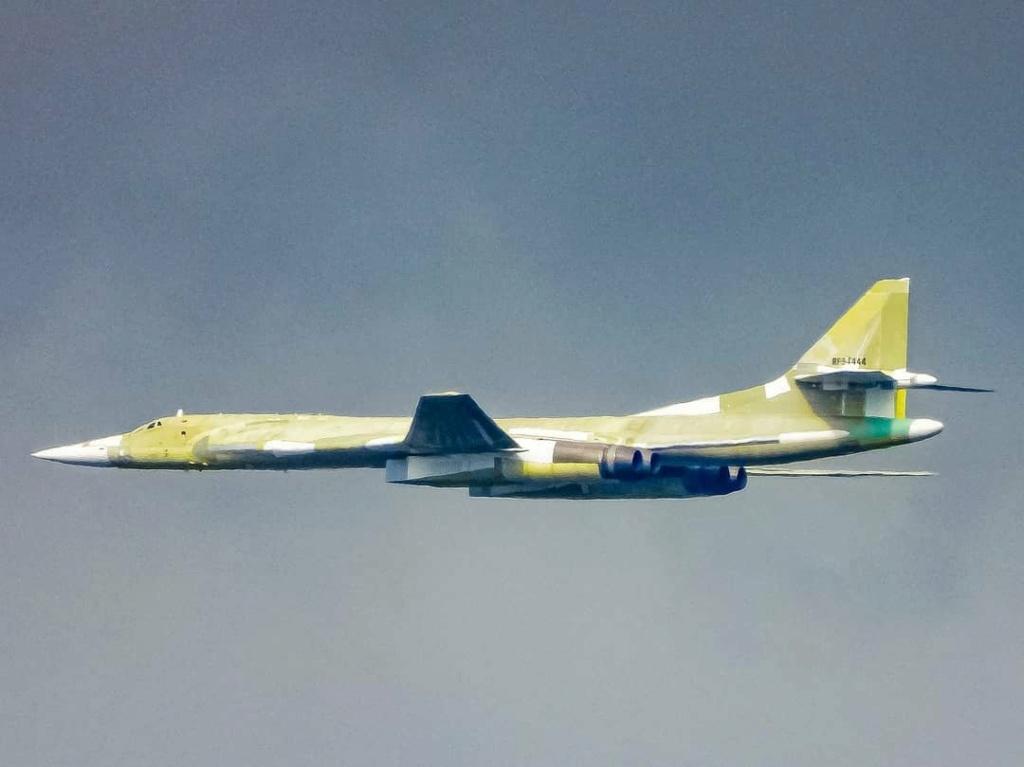 """Tu-160 """"White Swan"""" #2 E_irfk10"""