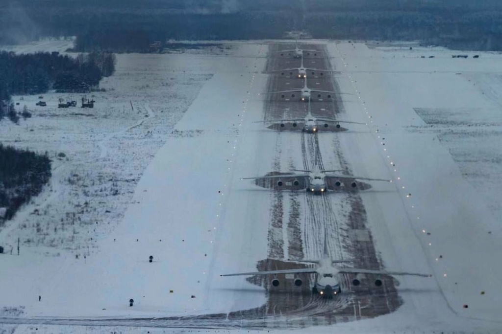 An-124 Strategic Transport: News - Page 14 Er0ajg11