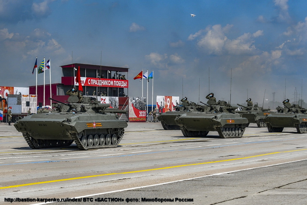 BMP-1/BMP-2 in Russian Army - Page 8 Parad_10