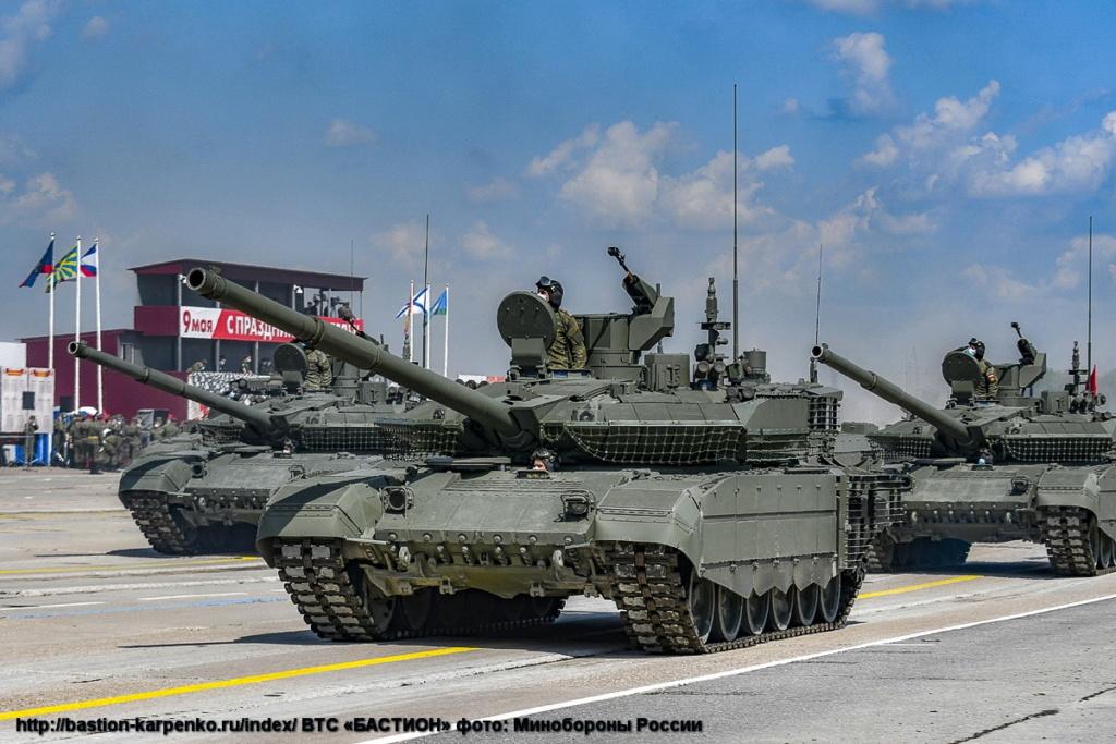 T-90 Main Battle Tank #2 - Page 7 Parad_11