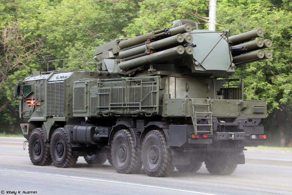 Pantsir missile/gun AD system Thread: #2 - Page 8 Parade20