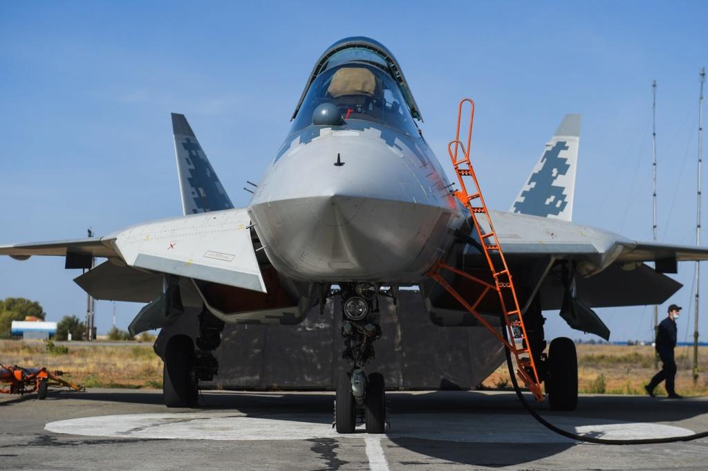 Su-57 Stealth Fighter: News #6 - Page 18 Vu49jh10