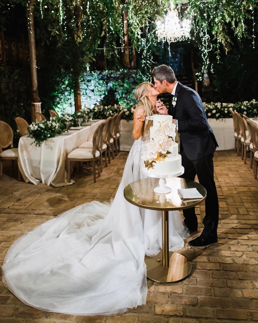 Arie Jr & Lauren Luyendyk - FAN Forum - Wedding - Discussion - Page 25 Alj213
