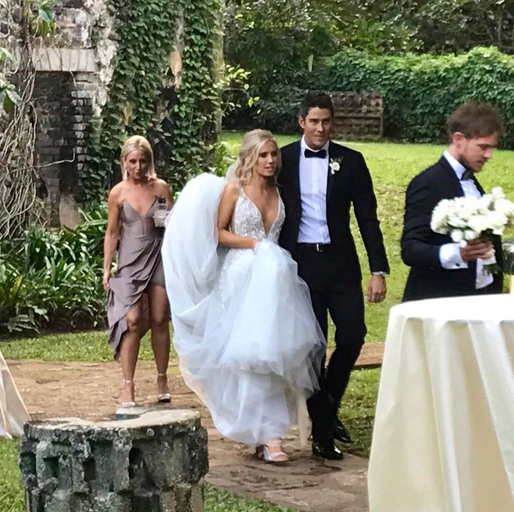 Arie Jr & Lauren Luyendyk - FAN Forum - Wedding - Discussion - Page 25 Jy310