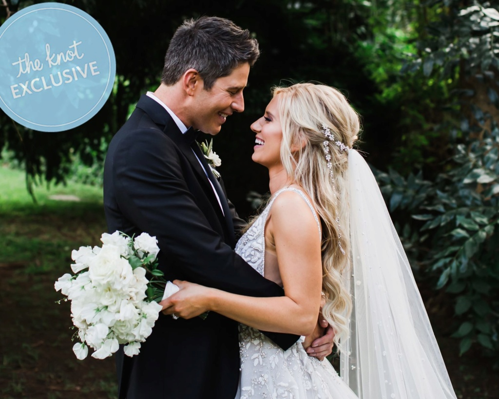 Arie Jr & Lauren Luyendyk - FAN Forum - Wedding - Discussion - Page 27 Knot110