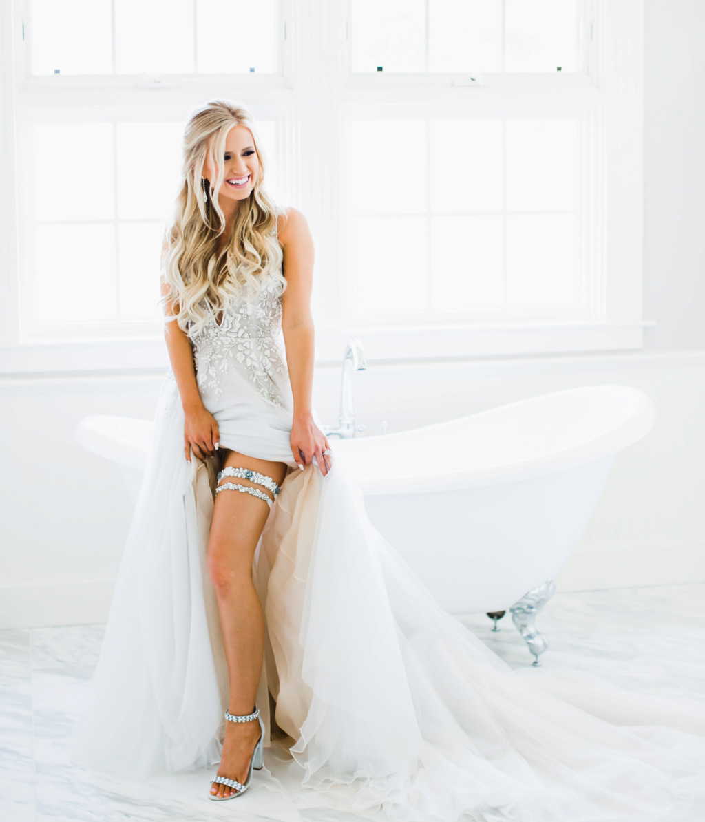 Arie Jr & Lauren Luyendyk - FAN Forum - Wedding - Discussion - Page 27 Knot1810
