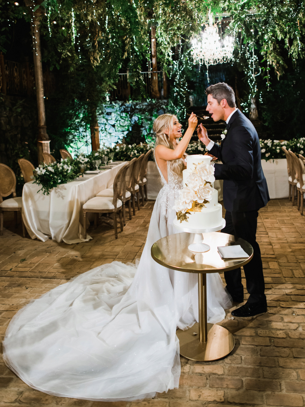Arie Jr & Lauren Luyendyk - FAN Forum - Wedding - Discussion - Page 27 Knot2410