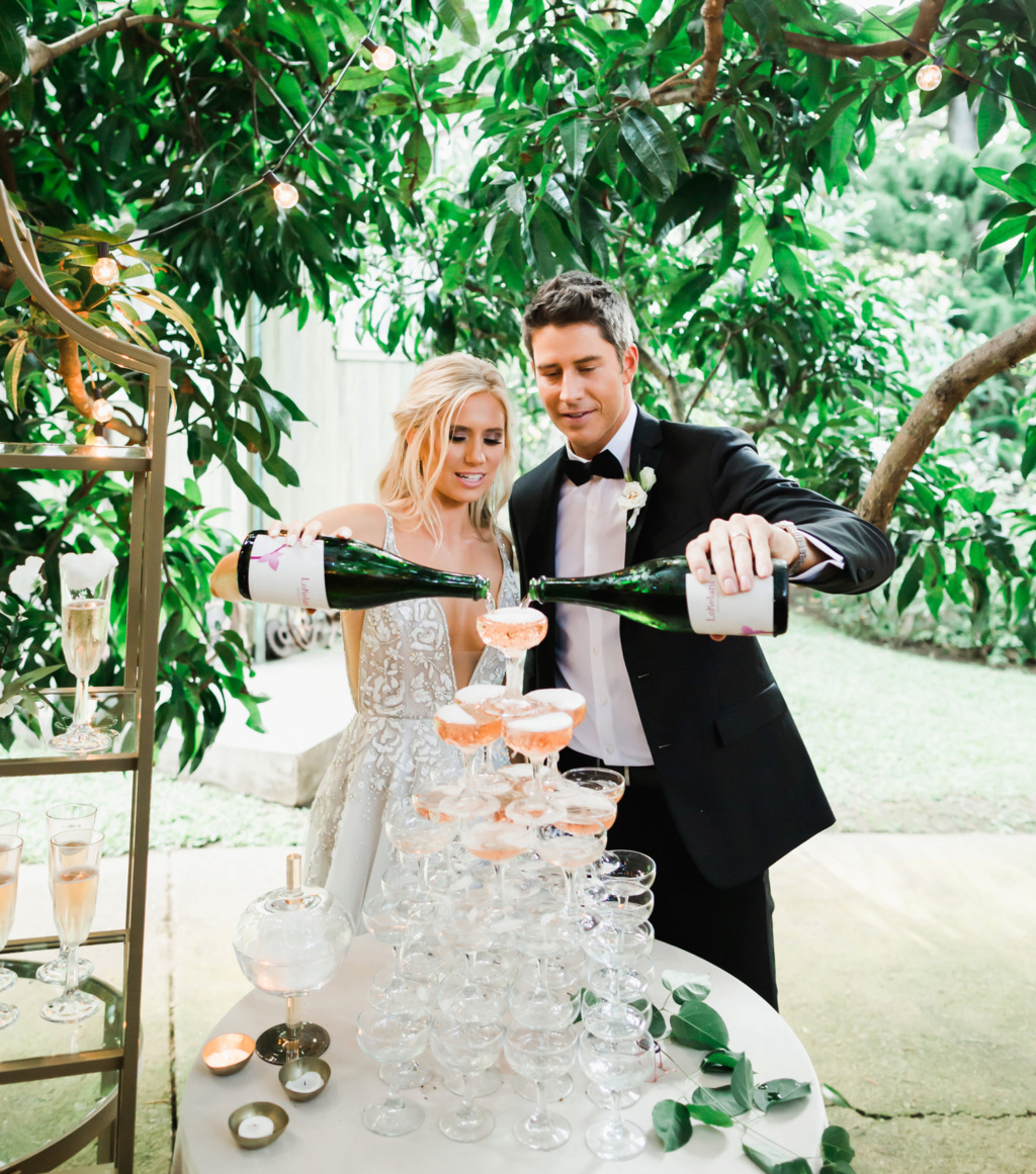 Arie Jr & Lauren Luyendyk - FAN Forum - Wedding - Discussion - Page 27 Knot2510